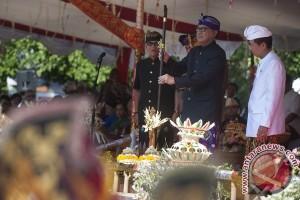 Parade Pesta Kesenian Bali