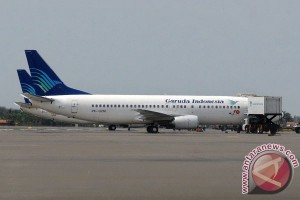 Pesawat haji di Banjarbaru jadi tontonan warga