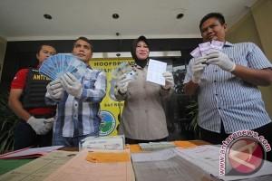 Polisi ungkap kasus pungli BPN Surabaya