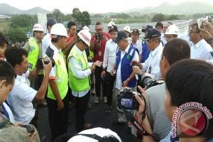 Kejutan spesial Menteri PUPR untuk kepala proyek Hutama Karya