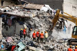 Sebuah bangunan runtuh di ibukota Kenya, 15 hilang