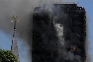 Enam orang tewas dalam kebakaran apartemen di London