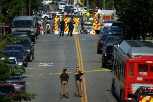 Anggota parlemen AS masih kritis akibat ditembak