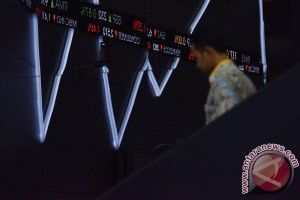 IHSG ditutup melemah 13,32 poin