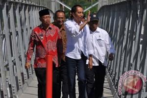 Presiden Resmikan Jembatan Gantung