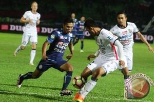 Arema tanpa dua pemain asing ladeni Bali United