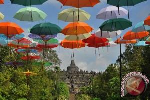 Ribuan wisatawan padati Candi Borobudur