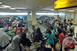 Arus mudik masih tinggi di Bandara Minangkabau