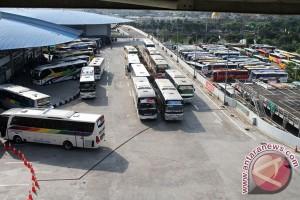 11.178 penumpang sampai di Terminal Pulo Gebang Jakarta