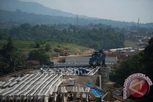 President reviews progress in construction of Bocimi toll road