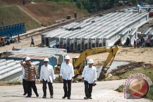 Presiden Jokowi nilai baik perkembangan tol Bocimi