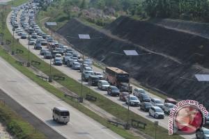 Kepadatan gerbang Tol Palimanan naik 300 persen