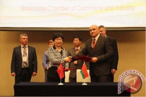 Beijing and Minsk urge business cooperation and trade development