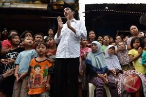 Presiden Jokowi blusukan ke pemukiman padat Jakarta