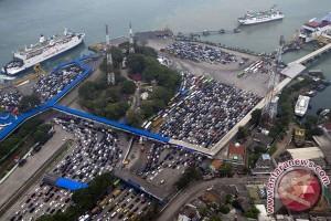 Menteri BUMN pantau Pelabuhan Merak