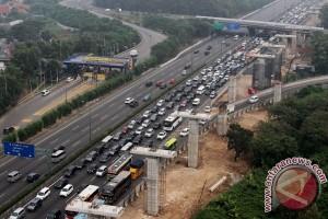 """Pemudik diminta waspadai kepadatan di """"rest area"""" Cikampek-Jakarta"""
