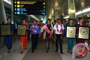 Garuda Raih World`s Best Cabin Crew