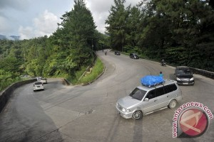 Jalur mudik Sukabumi masih dipadati kendaraan
