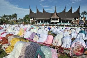 Kedatangan pemudik masih tinggi di Bandara Minangkabau