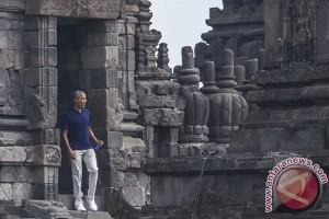 Obama berwisata ke candi Prambanan