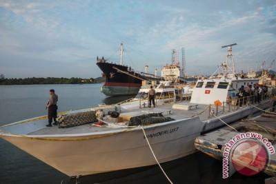 Polisi mulai bongkar kapal pembawa satu ton sabu