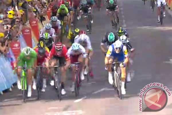 Tour de France makan korban lagi, giliran Richie Porte