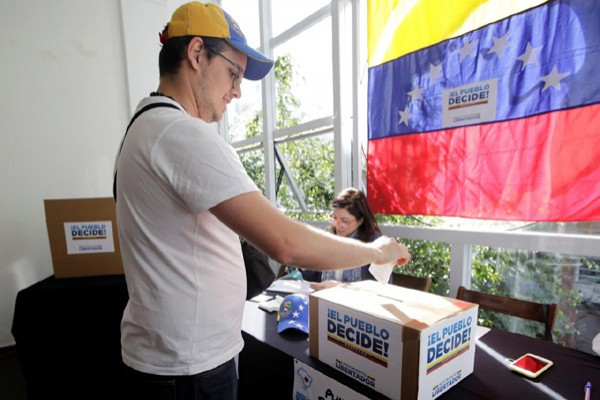 Ekspatriat Venezuela ikut tolak Maduro