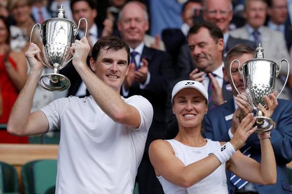 Hingis dan Murray juara ganda campuran Wimbledon
