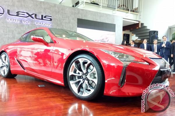 Permalink to Lexus Coupe 500, roda belakangnya bisa berbelok