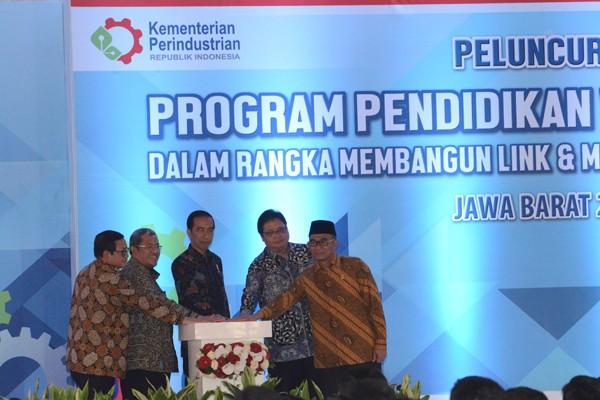 Permalink to Presiden Jokowi hadiri peluncuran program vokasi industri