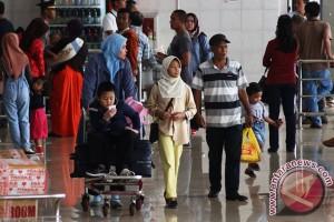 Bandara Halim mulai alami puncak arus balik
