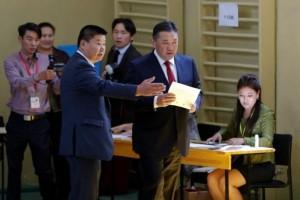 Warga Mongolia memilih presiden baru di tengah apati