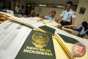 Mulai hari ini daftar paspor bisa lewat WhatsApp