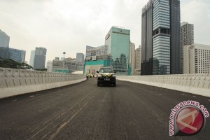 Djarot resmikan uji coba Simpang Susun Semanggi