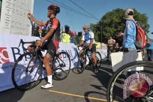 Pebalap Indonesia menangi etape kedua Tour de Flores