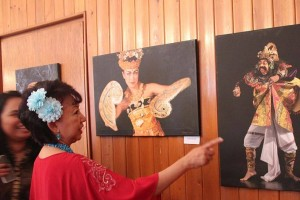 Dubes buka pameran lukisan batik