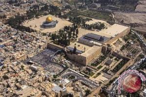 Pelacak logam di Mesjid Yerusalem tidak akan dibongkar