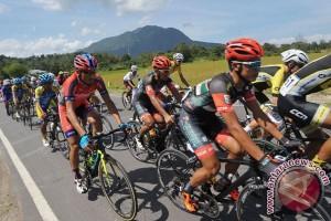 Tinggal satu etape, Thomas Lebas puncaki klasemen umum Tour de Flores