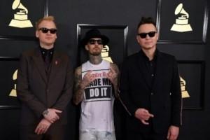Blink-182 batalkan konser setelah Chester tewas