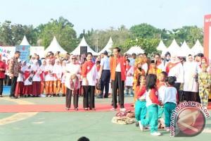 Presiden bicara cita-cita dengan anak-anak di Pekanbaru