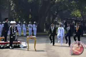 Presiden Jokowi pimpin upacara Prasetya Perwira
