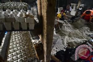 Pedagang Pasar Gondangdia keluhkan stok garam menipis