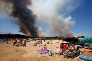 Kebakaran besar landa Prancis, 10.000 orang dievakuasi