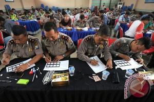 Kemarin, ratusan polisi Papua Barat minta pindah hingga interior mobil terbaik di MBtech Awards