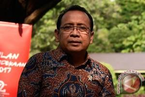 Presiden Jokowi bertemu Habibie di Istana