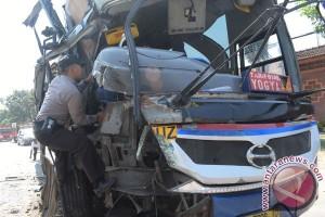 Kecelakaan Bus Di Madiun