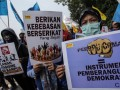 Demo Menolak Perppu Ormas