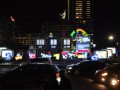 Kendaraan melintas di depan papan hitung mundur Asian Games di Bundaran Hotel Indonesia, Jakarta, Jumat (18/8/2017). Pelaksanaan hitung mundur (countdown) pelaksanaan Asian Games 2018 Jakarta dan Palembang tepat dilakukan satu tahun atau 365 hari menjelang perhelatan olah raga terbesar se-Asia tersebut. (ANTARA /Akbar Nugroho Gumay)