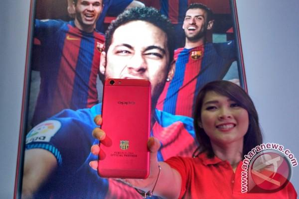 OPPO luncurkan F3 FC Barcelona edisi terbatas
