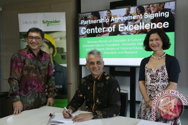 Indonesia, France build partnership on developing technical, vocational training